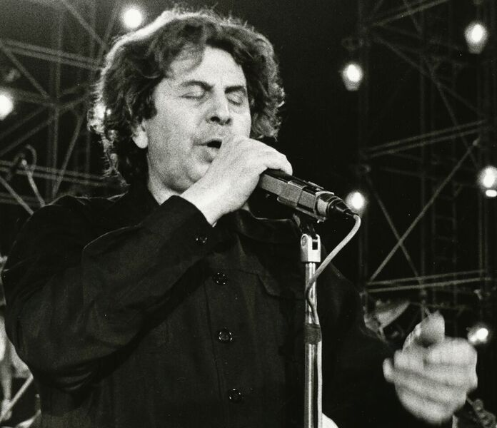 Mikis Theodorakis 1984 Photo by Privatier Asti Music